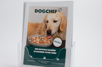 60 flyers Dog Chef in A5 staander